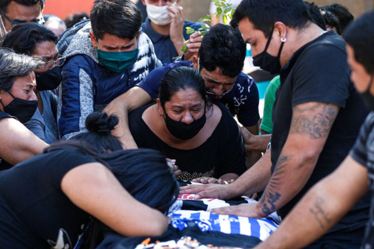 Число заражений COVID-19 в мире превысило 113,7 млн, число жертв - 2,52 млн