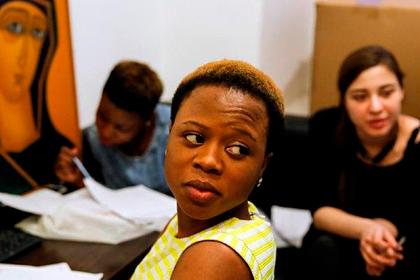 В Москве осудили пугавших африканку «богом грозы» сутенеров