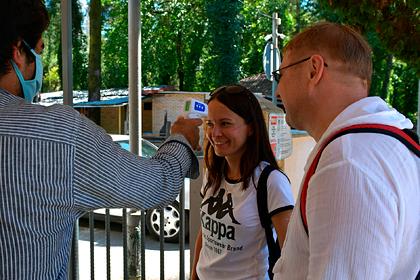 Отдыхающие описали происходящее в Абхазии при росте заразившихся коронавирусом