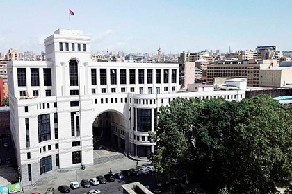 Армения отозвала посла из Израиля из-за поставок оружия Азербайджану