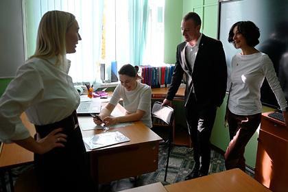 Путин пообещал не отменять конкурсы «Учитель года» и «Учитель будущего»