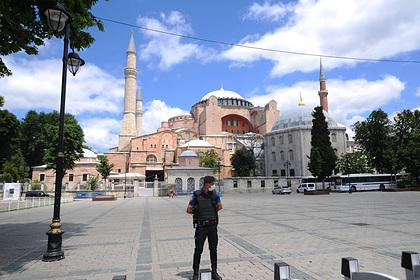 Россиянка раскрыла необходимую для комфортного проживания в Турции сумму денег