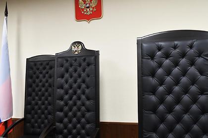 Москвич пойдет под суд засломанную кавалерийскую саблю времен Бородинской битвы