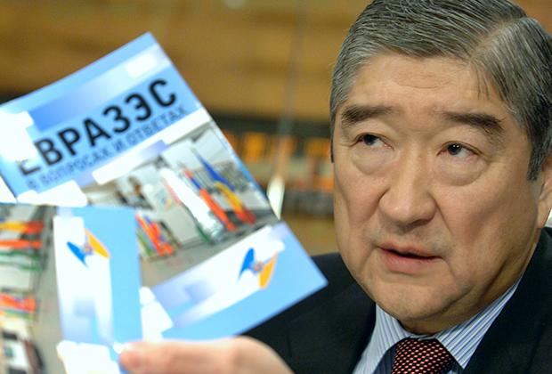 Генсек ЕврАзЭС в 2007-2014 годах Таир Мансуров