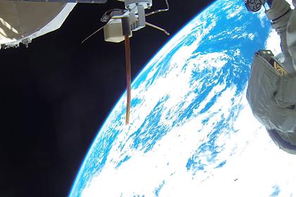 За пределами Международной космической станции (МКС)