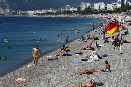 На курорт в Турции массово ринулись толпы отдыхающих
