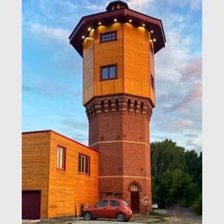 Россиянин сделал из водонапорной башни особняк и переехал туда