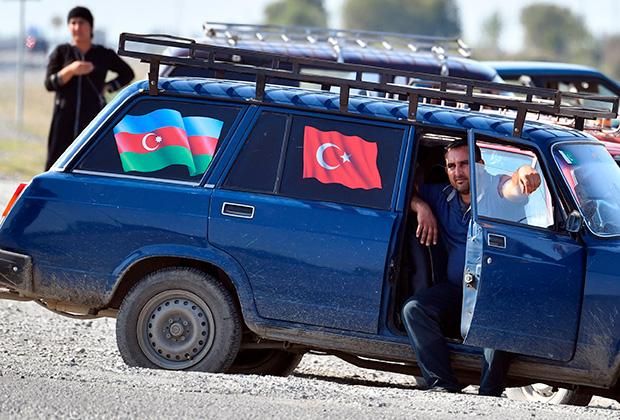 На похоронах азербайджанского военного в одном из приграничных сел