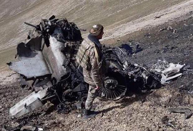 Сбитый самолет ВВС Армении