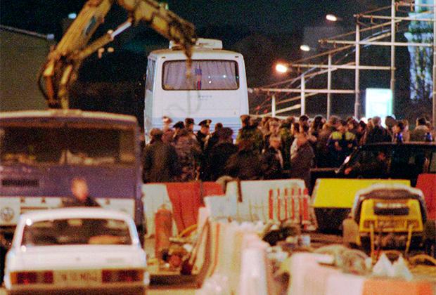 Захваченный автобус на Москворецком мосту
