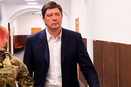 Суд отпустил из-под домашнего ареста главного акционера банка «Югра»