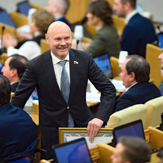 Российские депутаты захотели подзаработать на жилье