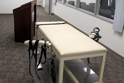 Стол для казни с помощью смертельной инъекции, США