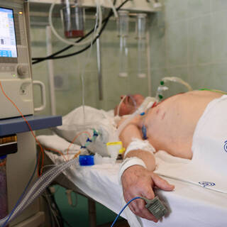 Пациент на ИВЛ в московской больнице