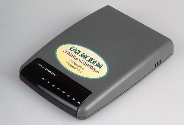 Модем для подключения к интернету конца 90-х