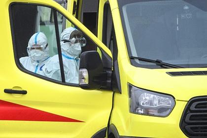 Эксперты спрогнозировали спад заболеваемости COVID-19 в России