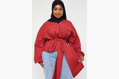 Модный бренд впервые снял в рекламе плюс-сайз-модель в хиджабе