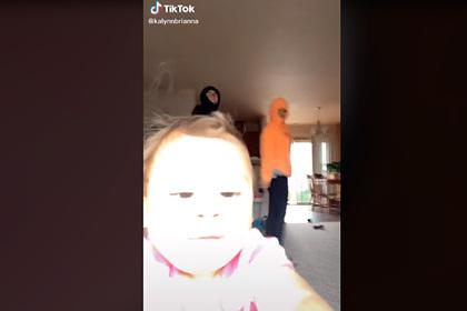 Ребенок сорвал ролик матери и стал знаменитым