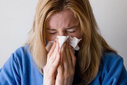 Врач назвала снижающую риск заражения COVID-19 болезнь