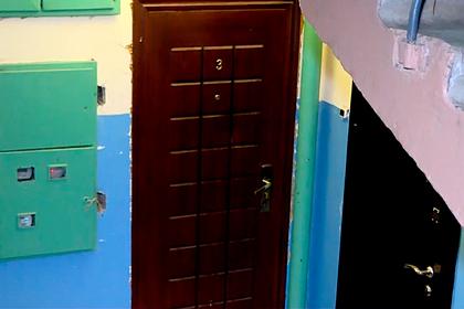 В России дети провели три дня в квартире с мертвыми родителями