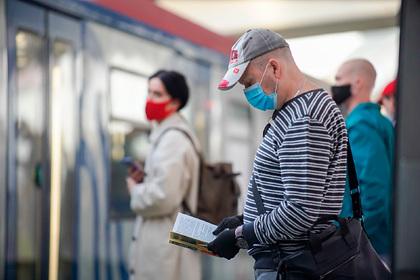 В Госдуме придумали способ заставить всех носить маски и перчатки