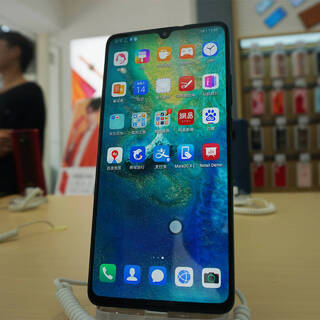 Назван срок устаревания смартфонов Huawei