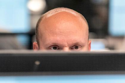 Российский профессор назвала причину выпадения волос при COVID-19