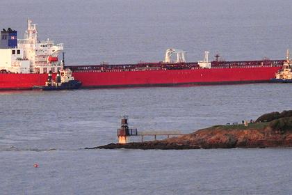 Безбилетные пассажиры захватили нефтяной танкер в Ла-Манше