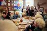 Хабиба в Дагестане знают как скромного и щедрого человека, который чтит традиции и ценит семью. В одном из ресторанов Махачкалы боец бесплатно организует обеды для детей из интернатов. Им дарят папахи, которые уже называют «хабибки», и показывают запись боя россиянина с Конором Макгрегором.
