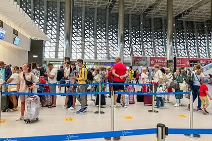 Россиянин показал реальную обстановку в аэропорту Крыма во время пандемии