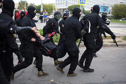 В Белоруссии назвали условия применения боевого оружия против протестующих