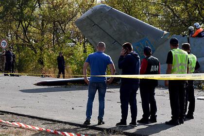 В крушении украинского самолета с курсантами обвинили летчиков