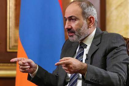 Пашинян рассказал о присутствии российских военных на границе с Карабахом