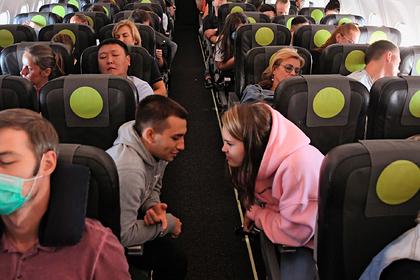 Российская стюардесса назвала главные ошибки пассажиров самолета