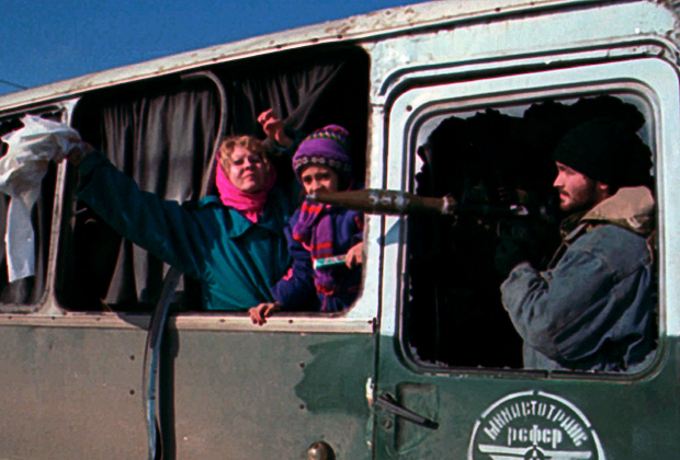 Заложники из Кизляра в автобусе с боевиками. 10 января 1996 года