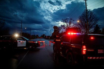 В Канаде застрелили приближавшегося сножом кполицейским мужчину