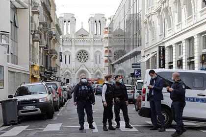 Стали известны подробности оличности напавшего нацерковь вНицце террориста