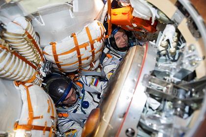 Российский космонавт назвал возможную причину появления трещины на МКС