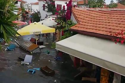 Цунами в Турции попало на видео