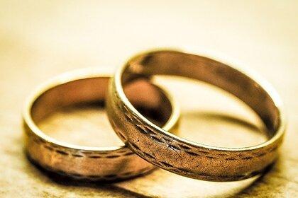 Мужчина украл 13-летнюю девочку, заставил ее выйти замуж и сменить веру