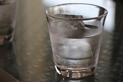 В Роскачестве назвали опасность воды из кулера