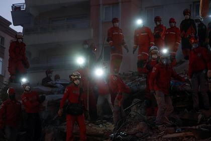 Число погибших при землетрясении в Турции снова увеличилось