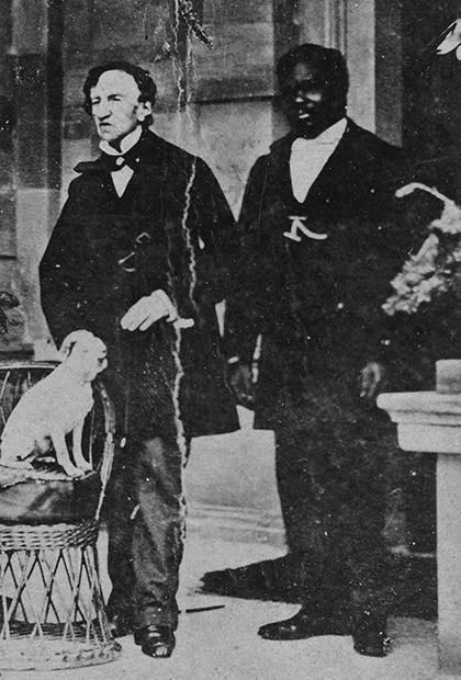 Джеймс Барри со слугой и собакой
