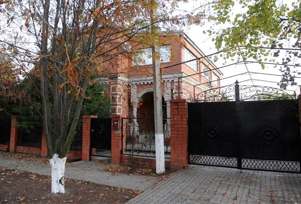 Дом фермера Сервера Аметова, где «цапки» совершили массовое убийство