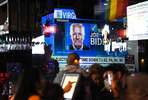 Сторонники Байдена собрались для наблюдения за ходом выборов в Хьюстоне
