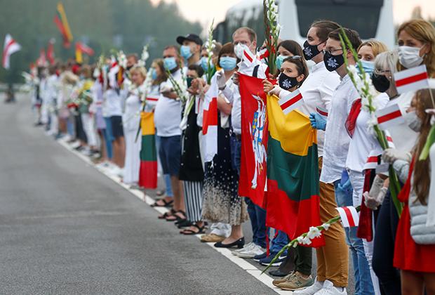 Акция в поддержку белорусских протестующих в Литве