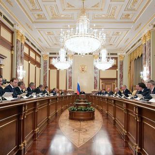 Путин отправил в отставку главу Минстроя