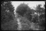 Немецкий солдат на берегу небольшой речки. Западный фронт, 1916 год.