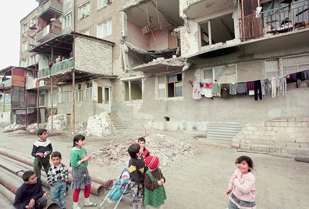 Город Шуши после освобождения армянскими силами. Май 1992 года