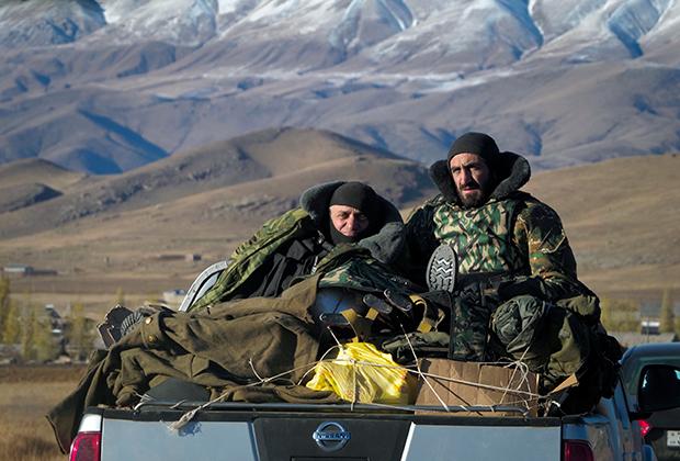 Армянские солдаты на пути из Армении в Нагорный Карабах